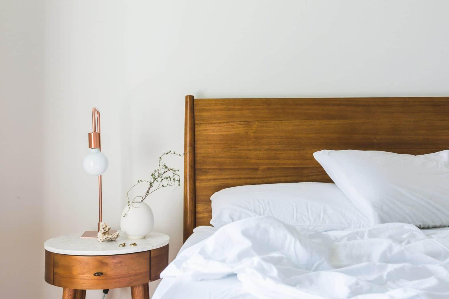 Jenkkisänky on yksi niistä sängyistä, joka sopii yleisesti ottaen jokaiselle nukkujalle, nukkumasennolle sekä vartalotyypille.